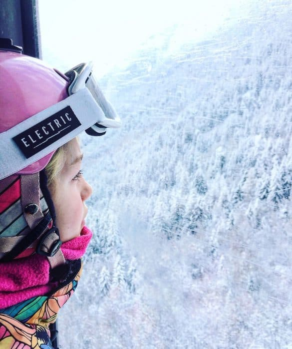 essentials for skiing - kids ski goggles